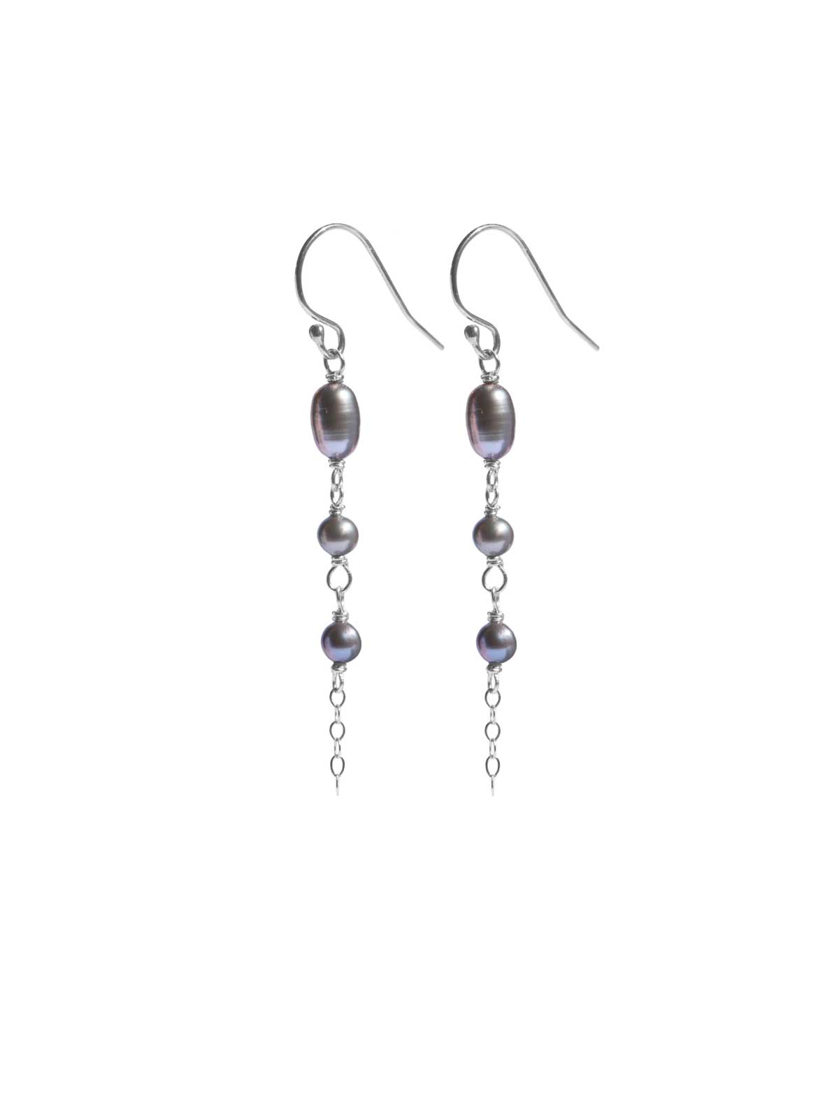Earrings in Sterling Silver and gray Freshwater Pearls