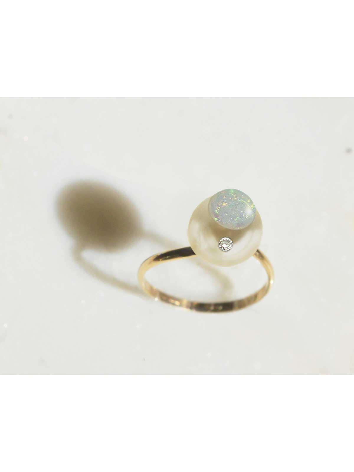 porcelain ring white South Sea Pearl Diamond Opal 14K yellow gold